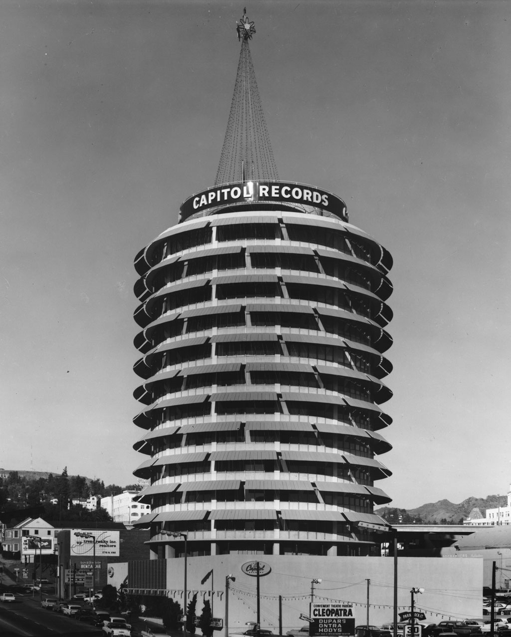 Capitol Records Tower built to look like a turntable by • Findery