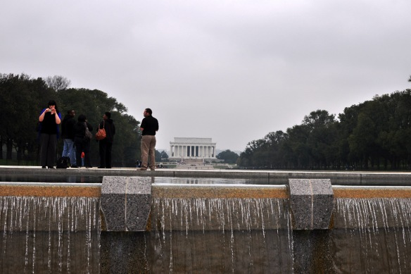 From WWII Memorial, looking to Lincoln Memorial