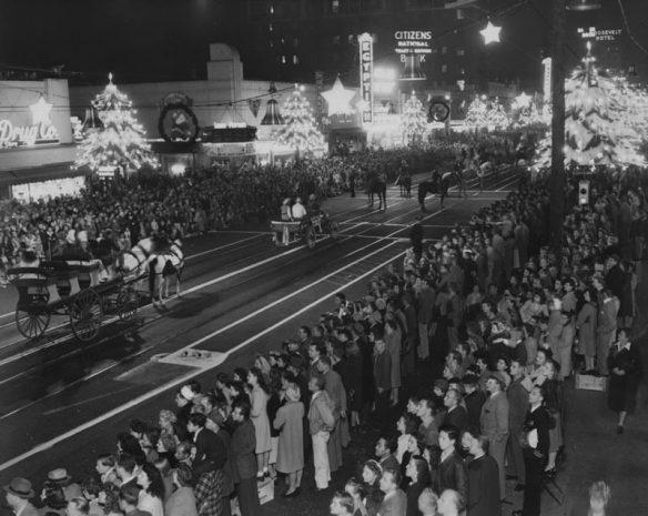 November 24, 1945: Santa Claus Lane parade at Hollywood Boulevard and Las Palmas. PIN by printdesignr.
