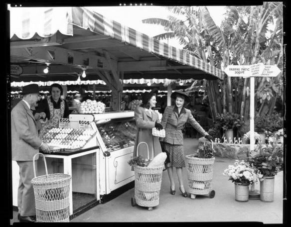 Original Farmers Market, Los Angeles, 1950. PIN by Sereina on {history}