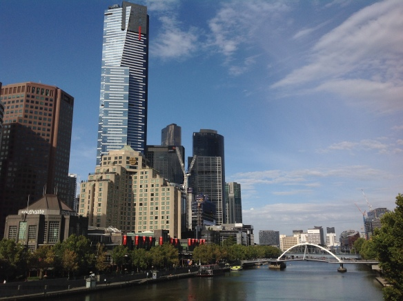 Melnourne skyline and Yarra River on the way to the gallery